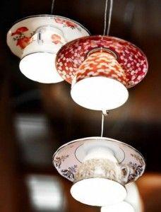 lampadario-con-vecchie-tazzine